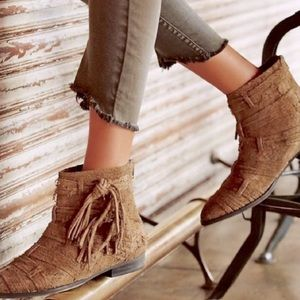 Free People distress suede Decades Ankle Boots 39